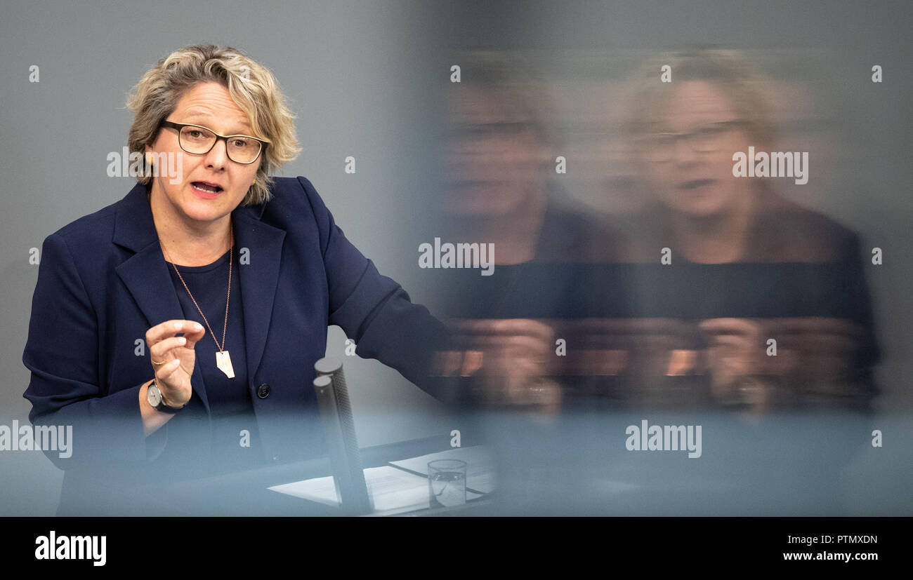 10 October 2018, Berlin: 10 October 2018, Germany, Berlin: Svenja Schulze (SPD), Federal Environment Minister, speaking during the 54th session of the German Bundestag during Question Time on Climate Protection. Photo: Fabian Sommer/dpa - Stock Image