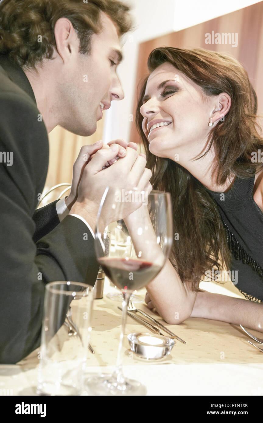 Flirt gestik mann