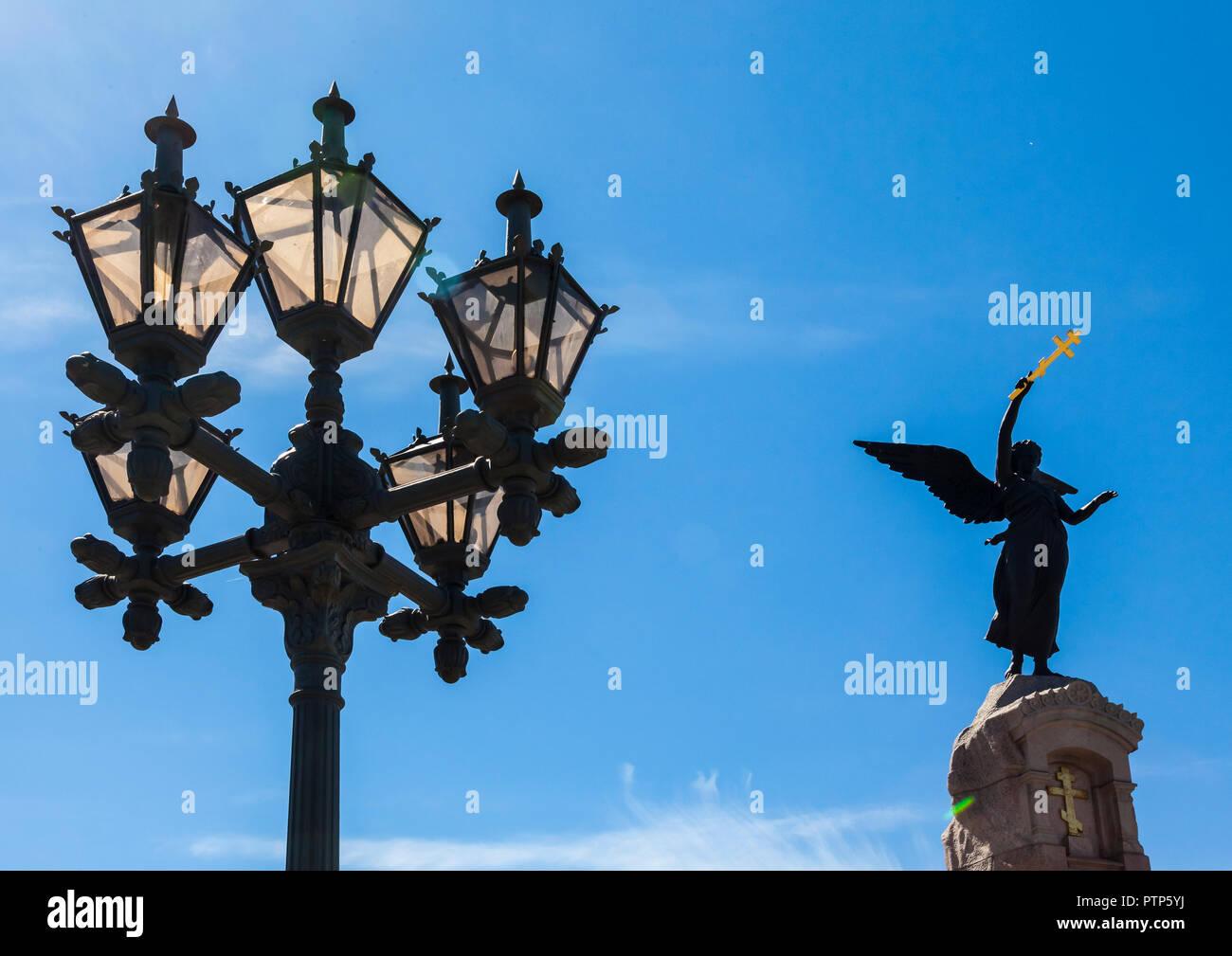 Spectacular lights beside Russalka Memorial in Tallinn commemorating the sinking of Russian warship Rusalka in 1893 - Stock Image
