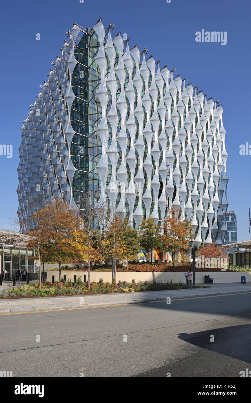 The new London US Embassy building at Nine Elms, near Vauxhall, London. Exterior view from the south in autumn sunshine. - Stock Image