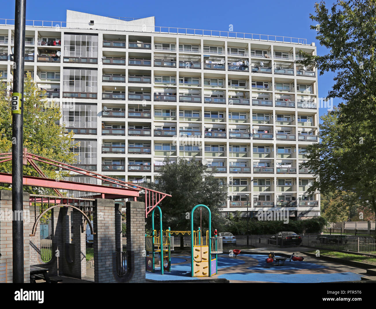 Wimbourne House, Kennington, London. A typical 1960's multi-storey local authority housing block in the south London borough of Lambeth. - Stock Image