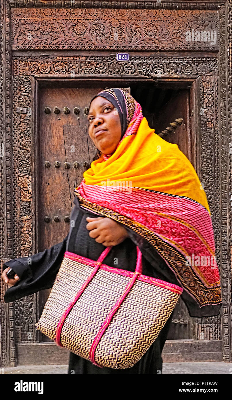 Muslim women in Stone Town on island of Zanzibar - Stock Image