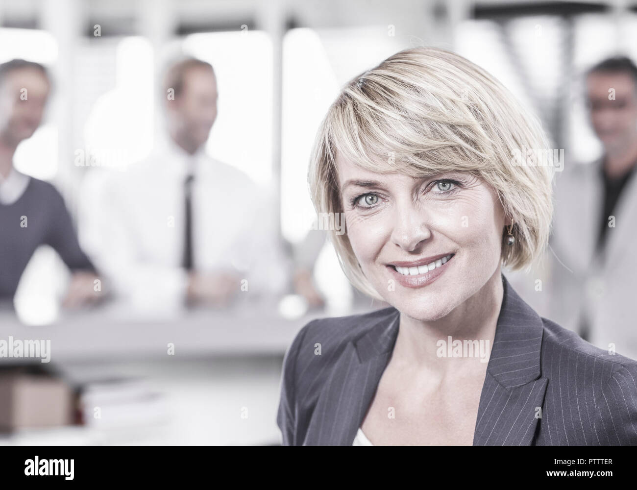 Geschaeftsfrau, Portraet (model-released) - Stock Image