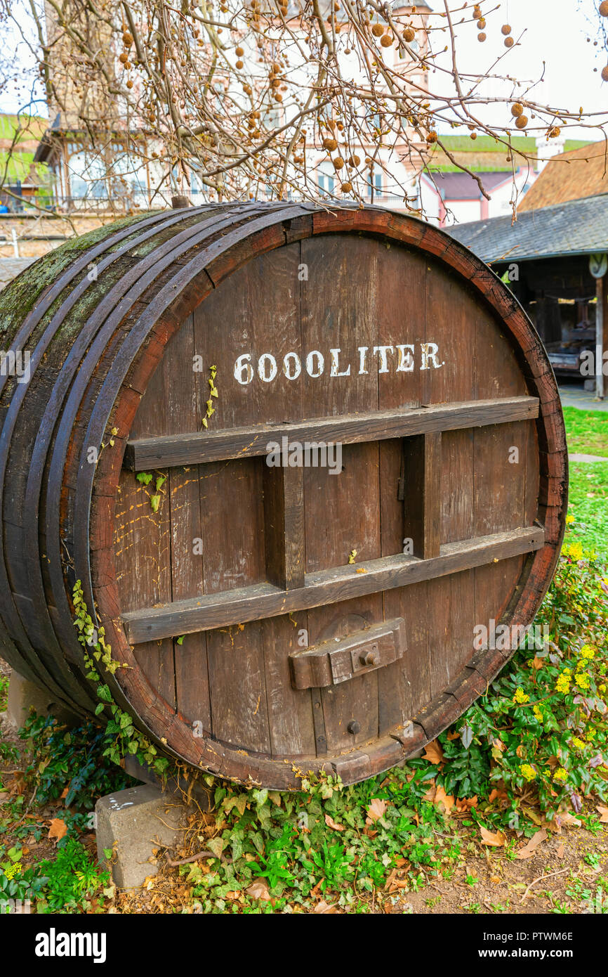 picture of a giant wooden wine barrel with 6000 liter