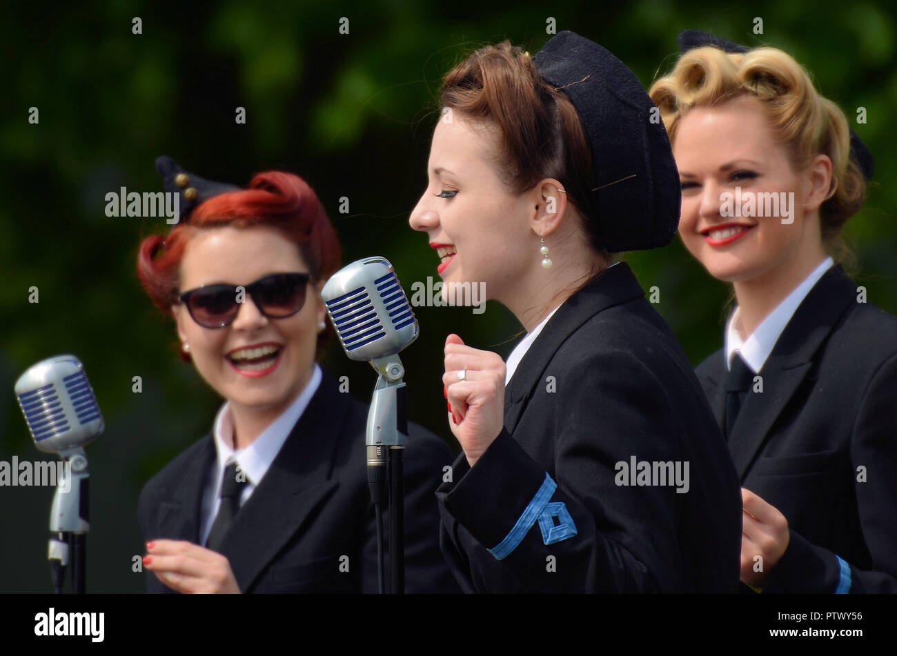 The Three Belles  Betty, Gail and Dorothy  Vintage 1940s era period