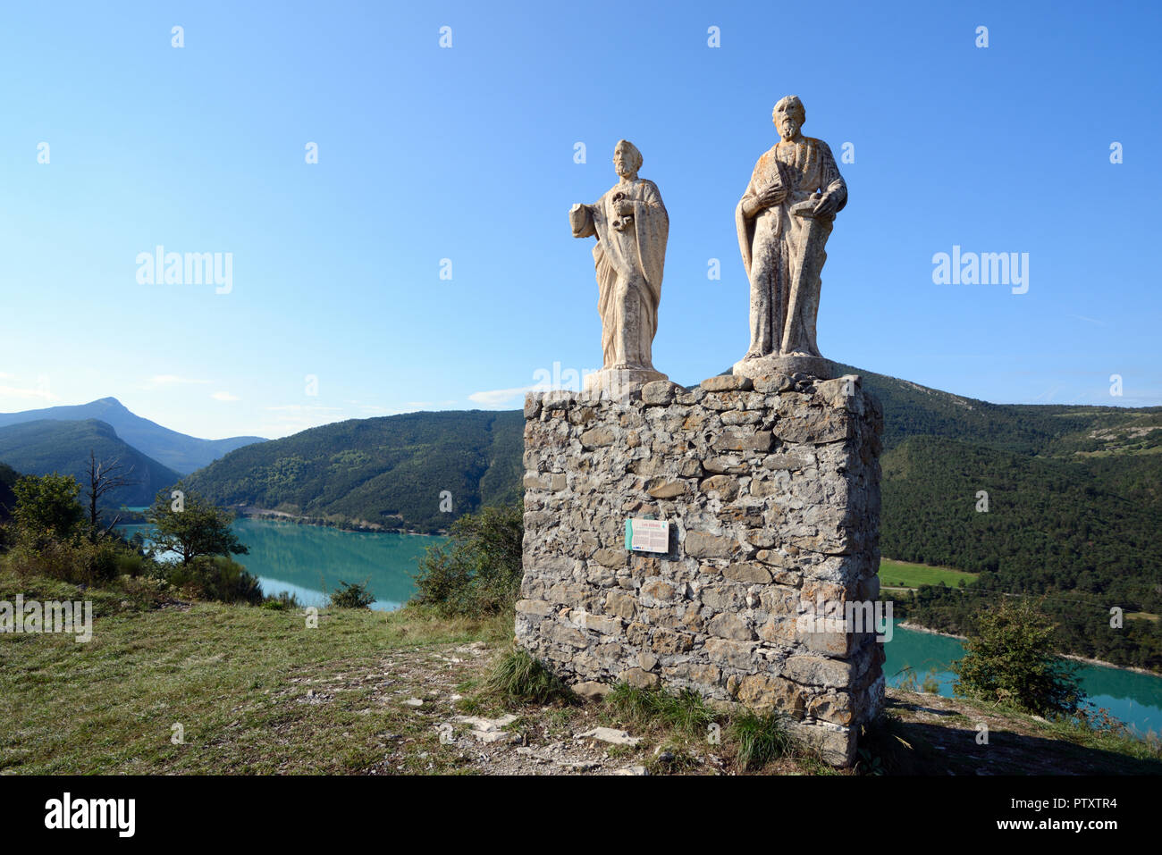 Statues of Saints Peter & Paul (1891) Above Castillon Lake in the Verdon Valley & Regional Park Saint André-les-Alpes Alpes-de-Haute-Provence France - Stock Image