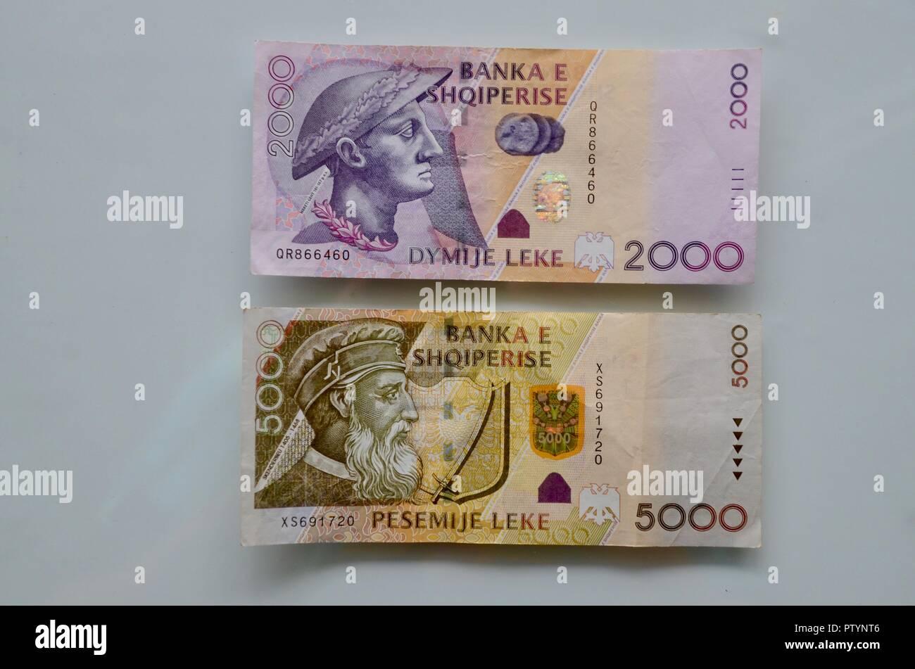 albanian bank notes 2000 and 5000 lek - Stock Image