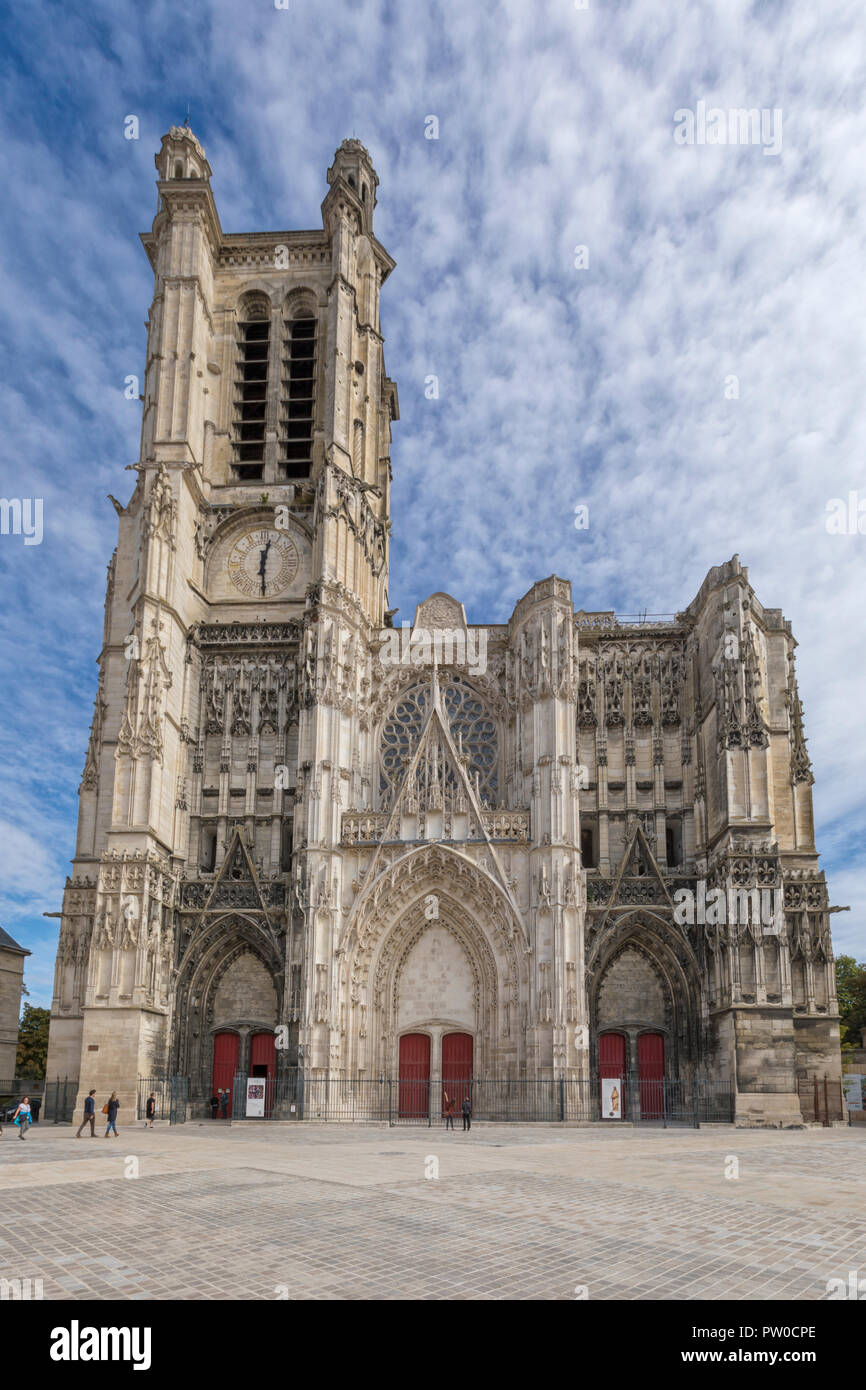 Gothic cathedral Saint Pierre et Saint Paul de Troyes, built from 13th to 17th century - Stock Image