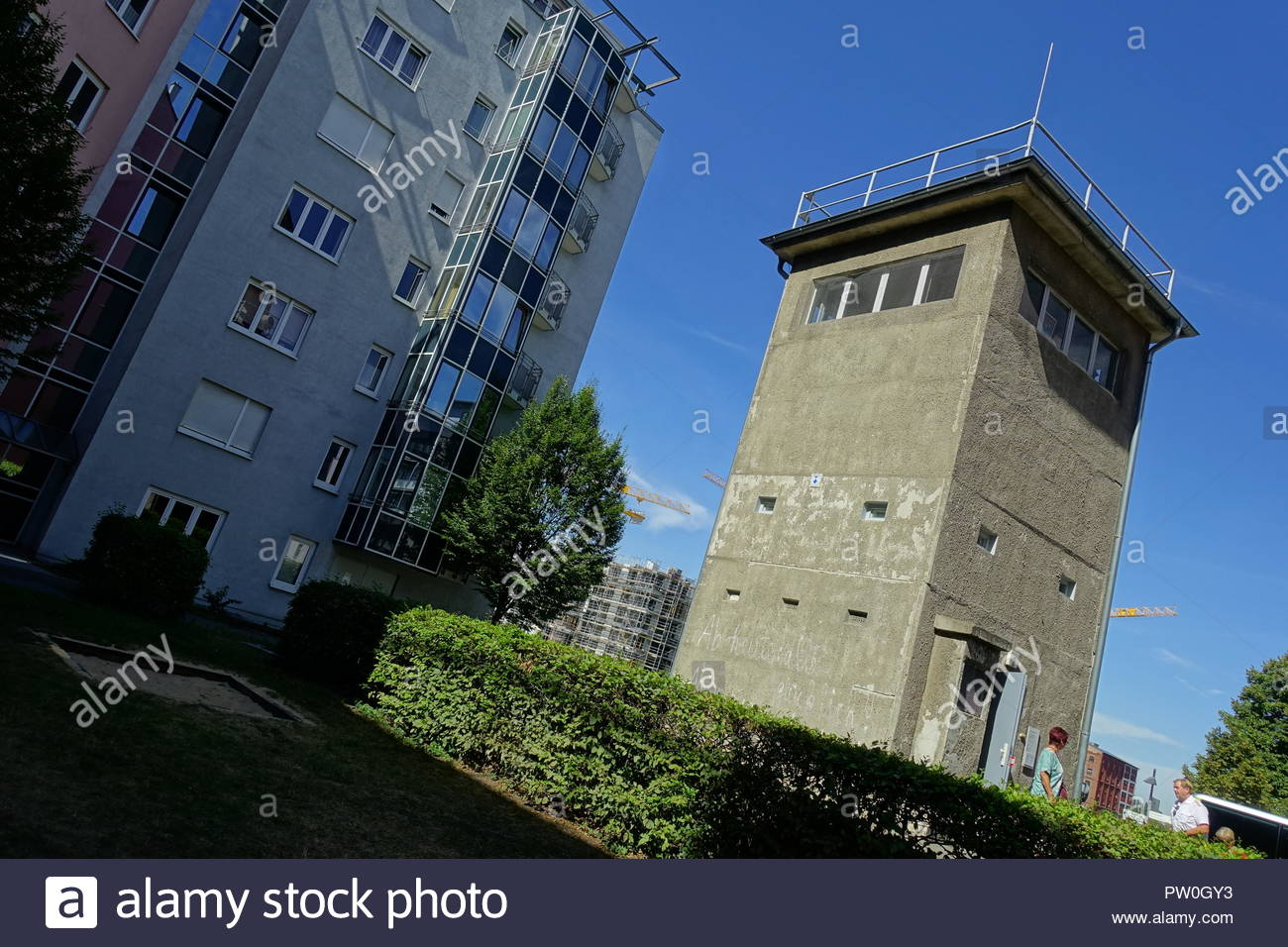 Berliner Mauer, Wachturm am Kieler Eck, Gedenkstätte Günter Litfin, Berlin Wall, Watchtower Kieler Eck (https://www.gedenkstaette-guenter-litfin.de/) - Stock Image