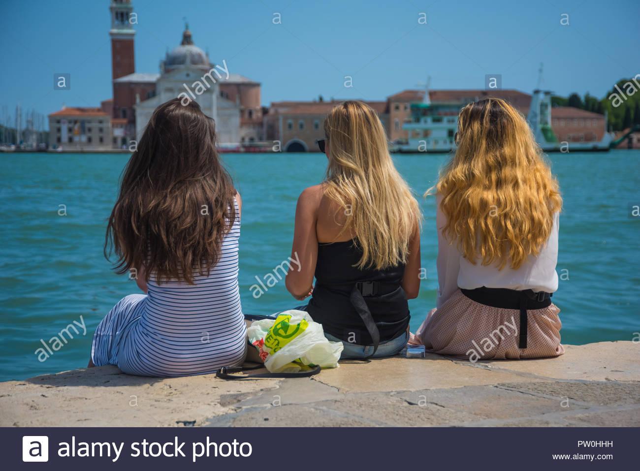 Venedig, drei Mädchen, Venice, Three Girls - Stock Image