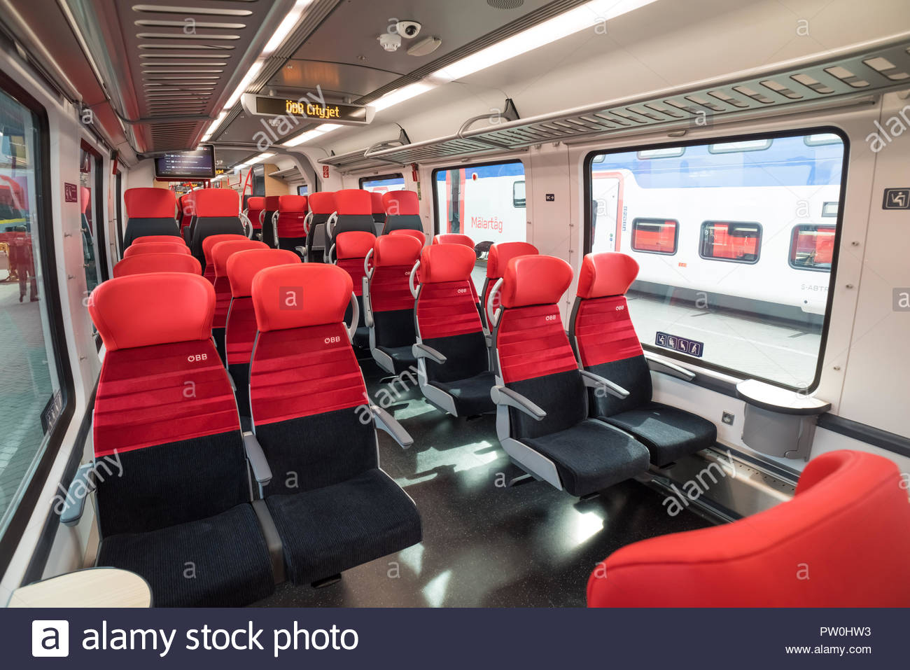 Innenraum eines Bombardier Nahverkehrszuges Talent 3 - Stock Image