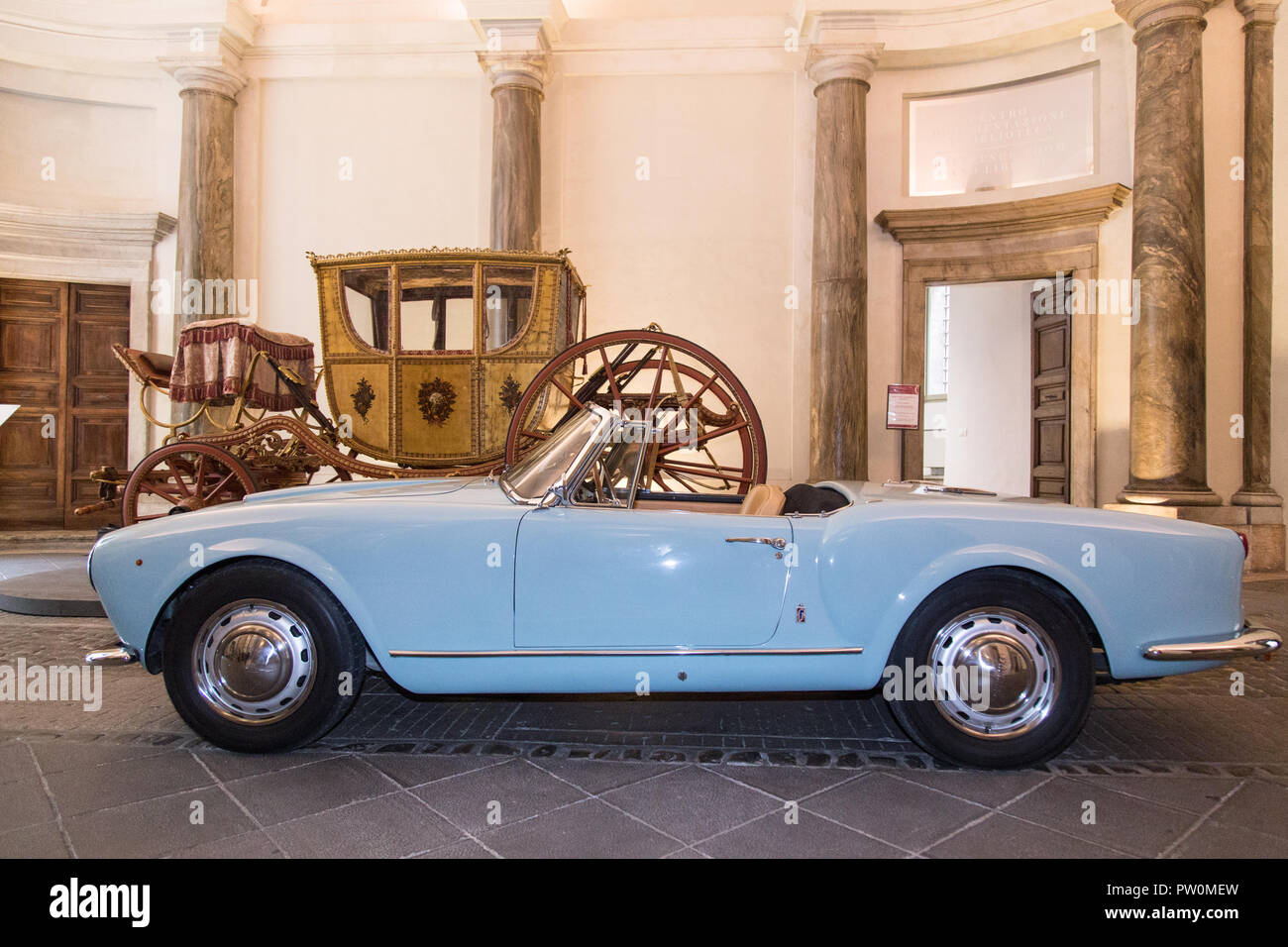 Roma, Italy. 11th Oct, 2018. Lancia Aurelia B24 convertible, the original spider of the movie 'Il Sorpasso' Inauguration of the exhibition 'Il sorpasso. Quando l'Italia si mise a correre, 1946-1961' at the Museum of Rome in Palazzo Braschi Credit: Matteo Nardone/Pacific Press/Alamy Live News - Stock Image