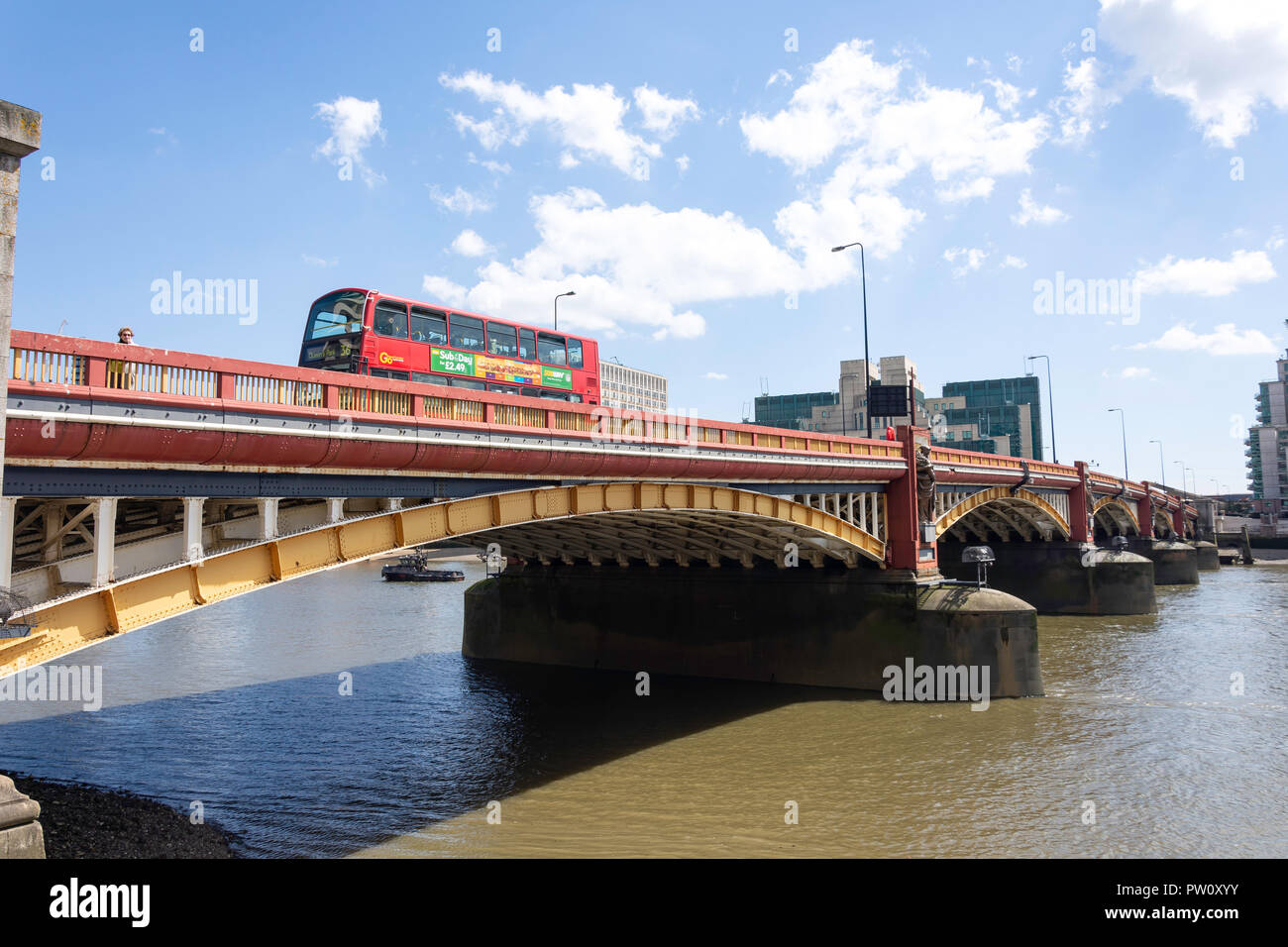Vauxhall Bridge across River Thames, Pimlico, City of Westminster, Greater London, England, United Kingdom - Stock Image