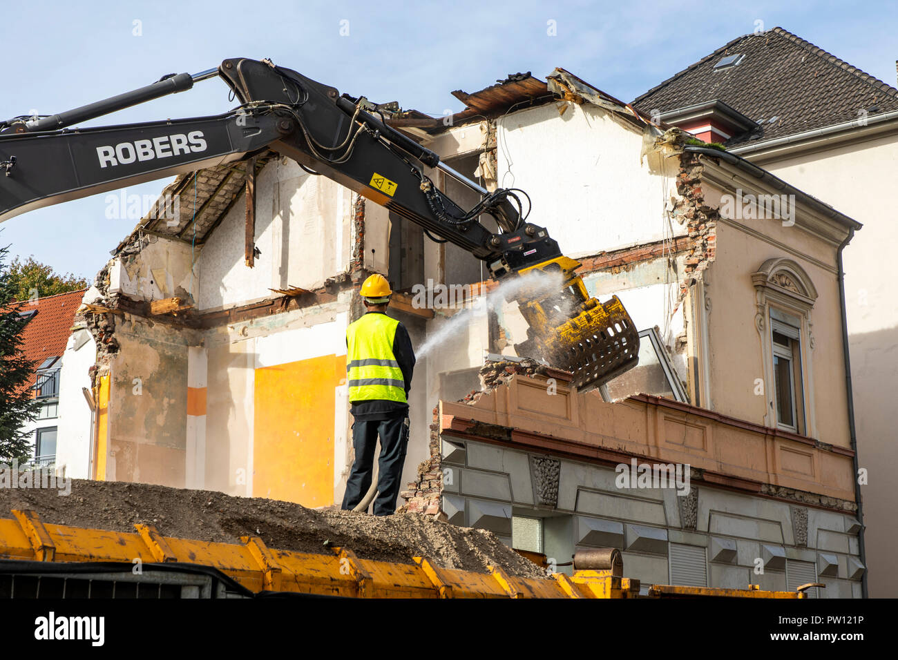 Demolition of an older residential building, new rental flats, Germany Stock Photo