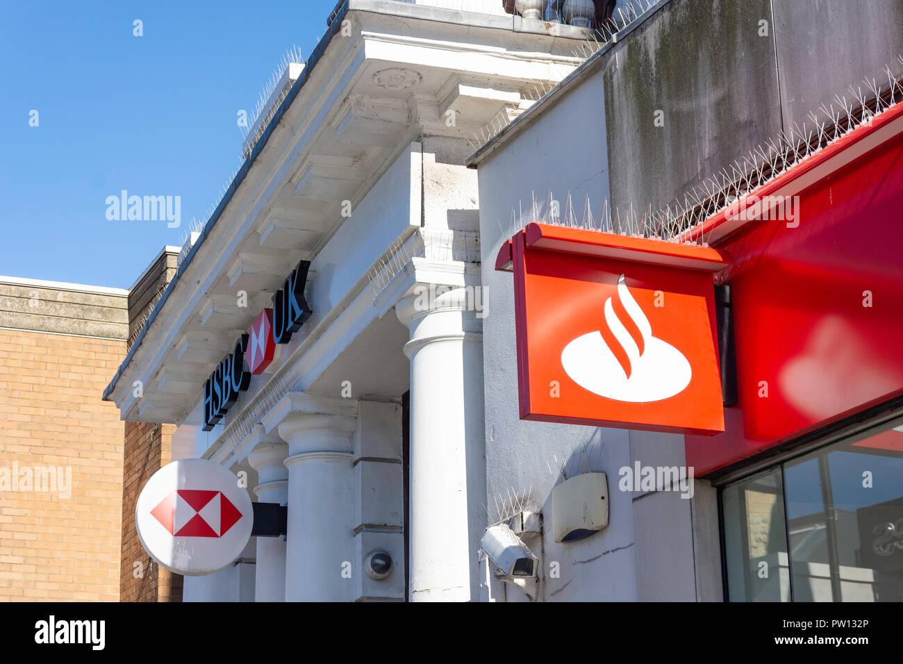 HSBC and Santander banks, High Street, Barnet, London Borough of Barnet, Greater London, England, United Kingdom - Stock Image