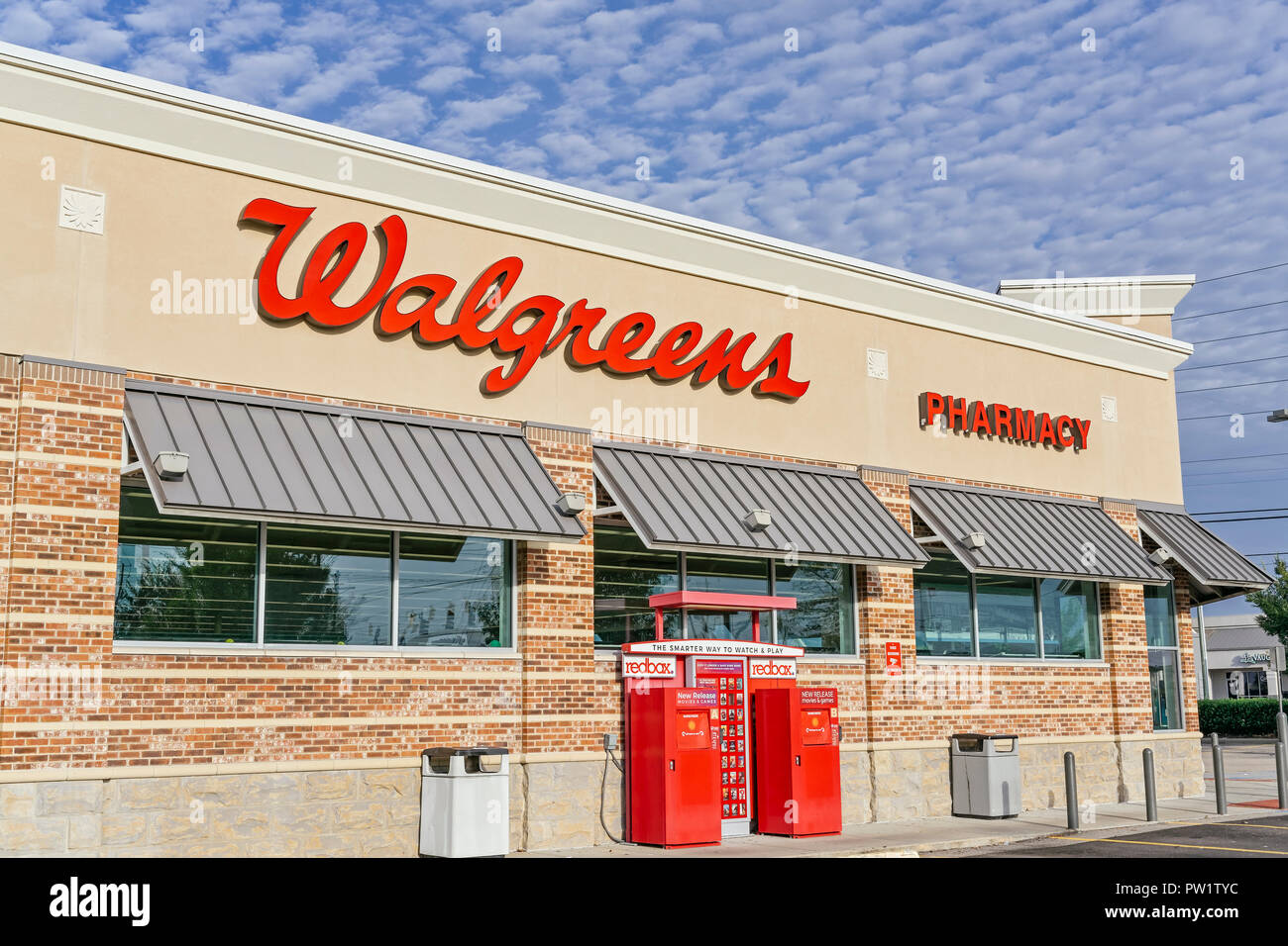Is Walgreens Open On Christmas.Walgreens Stock Photos Walgreens Stock Images Alamy