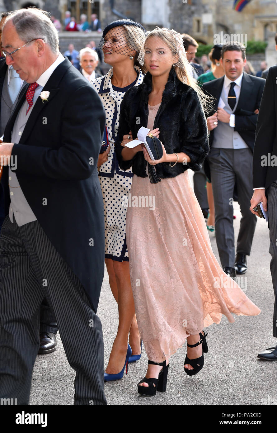 Kate Moss and Lila Grace Moss Hack (right) arrive for the wedding of Princess Eugenie to Jack Brooksbank at St George's Chapel in Windsor Castle. - Stock Image