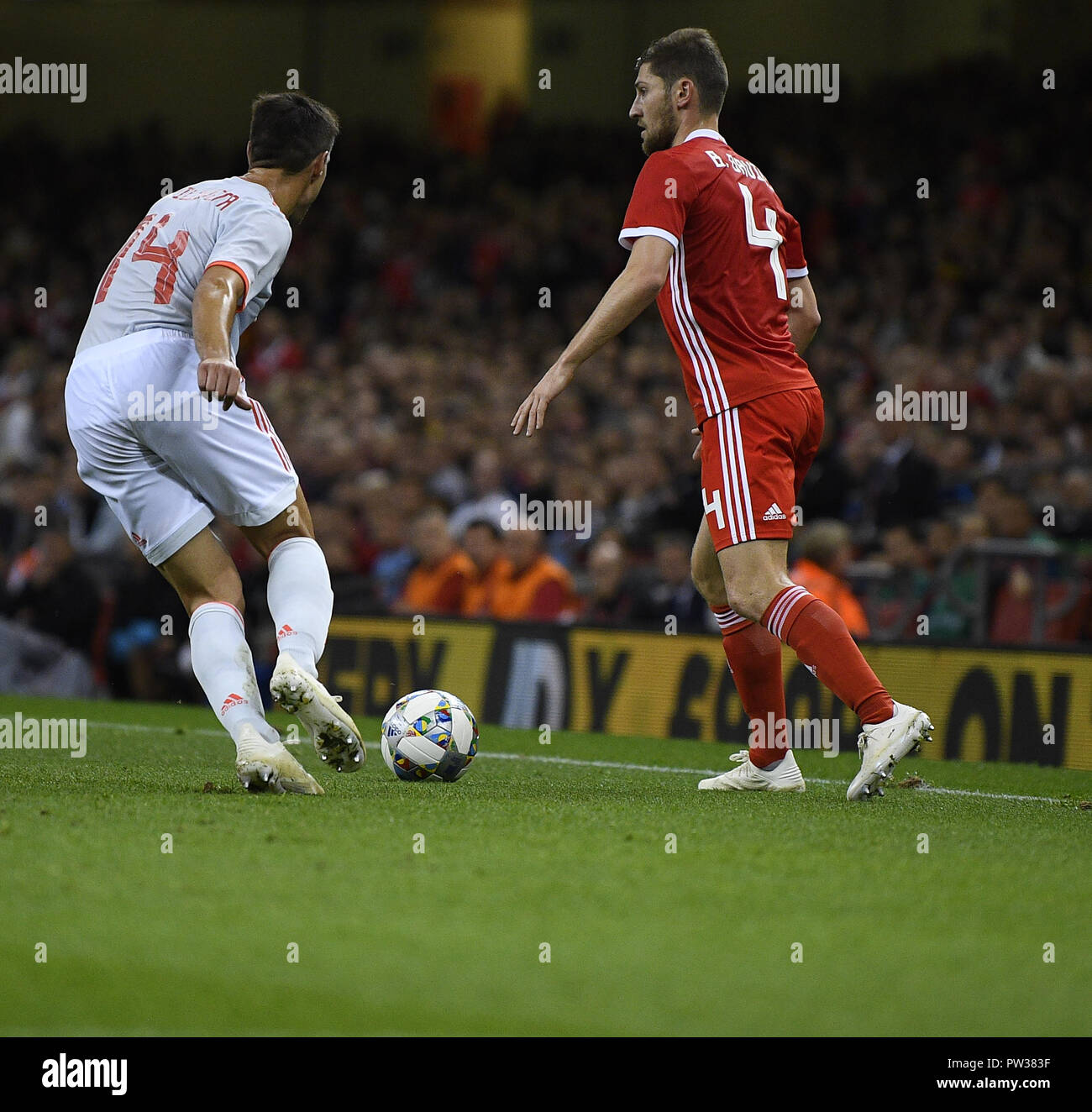 L R Cesar Stock Photos Images Alamy Rider Sport Boxer 383 Azpillicueta Ben Davies In Action During The Wales V Spain Friendly Football At
