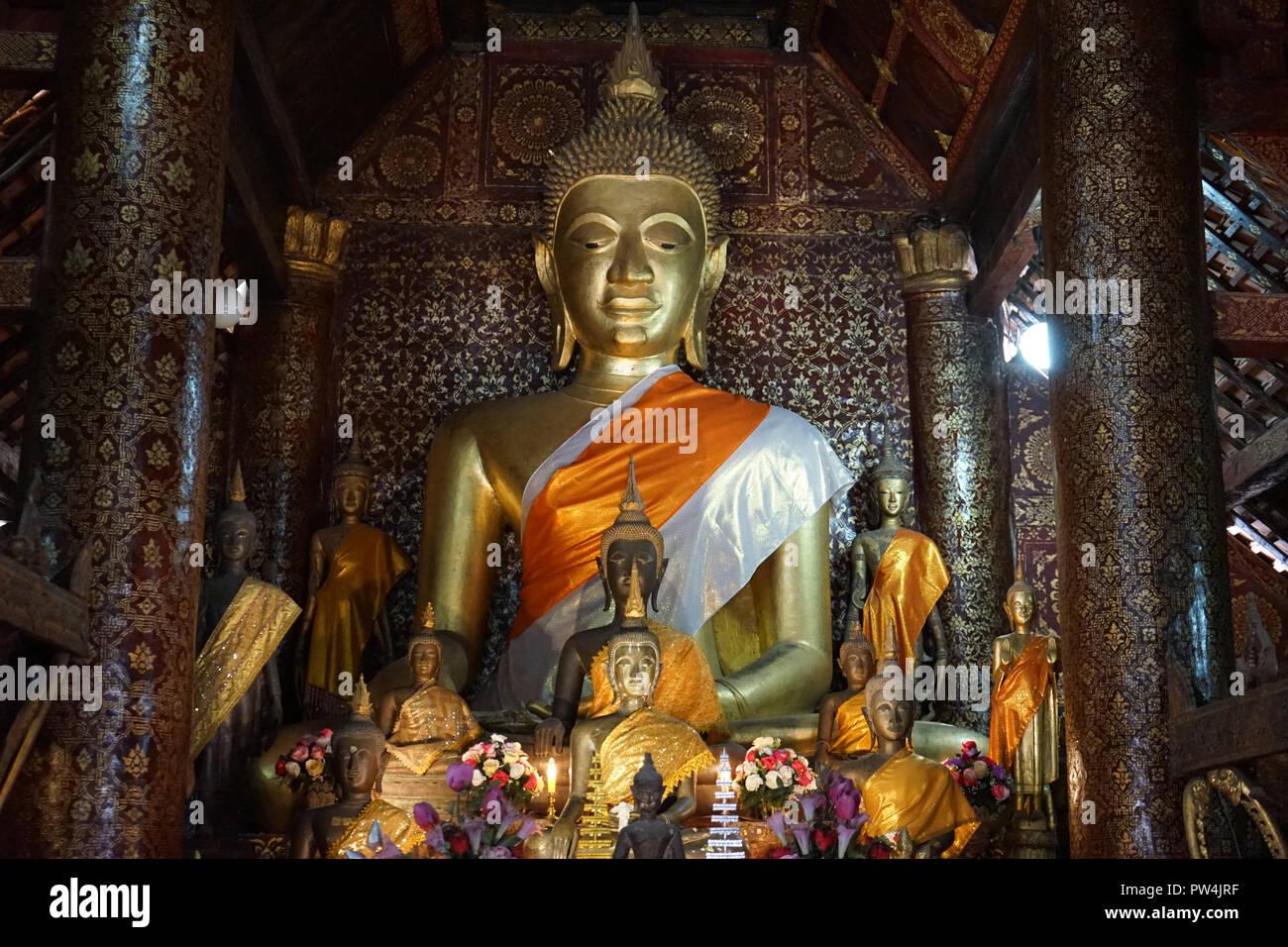 sitzende Buddha-Figur,  Sim, Vat Xienthong, Luang Prabang, Laos, Asien - Stock Image