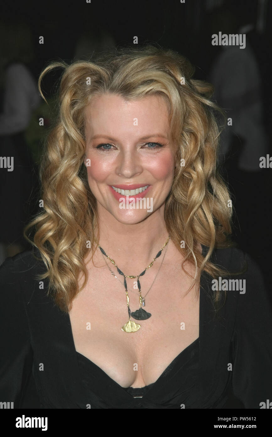 "Kim Basinger  09/09/04 ""Cellular"" Premiere  @  Cinerama Dome, Hollywood Photo by Kazumi Nakamoto/Hollywood News Wire File Reference # 33683 577HNWPLX Stock Photo"