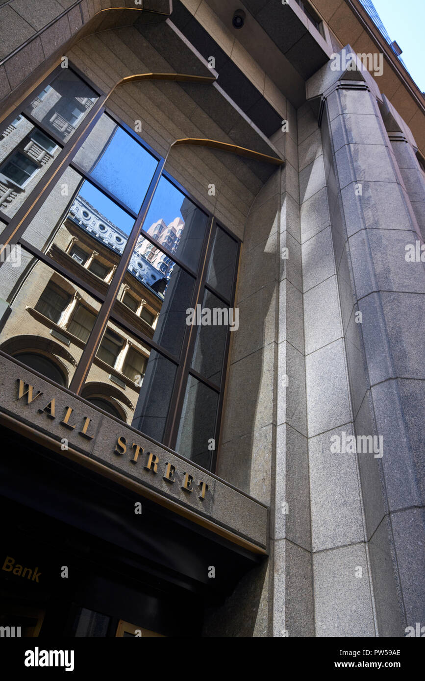 Building with Wall Street address in New York City - Stock Image