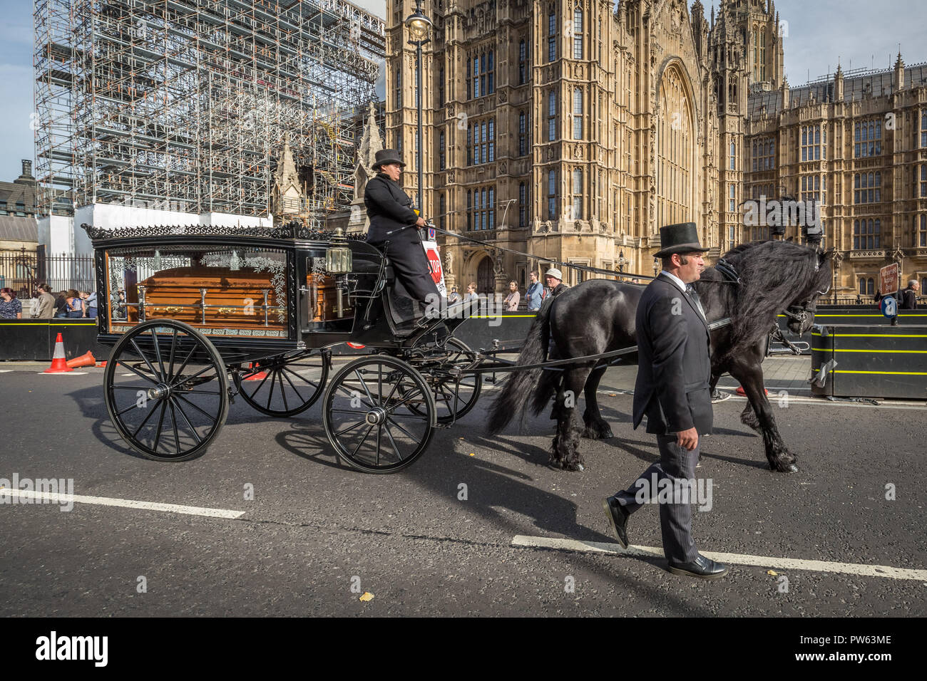 London, UK. 13th October, 2018. The National Funeral for the Unknown Cyclist. Credit: Guy Corbishley/Alamy Live News - Stock Image