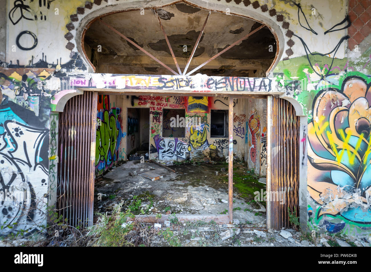 Photographic reportage of the abandoned city of Consonno (Lecco, Italy) - Stock Image