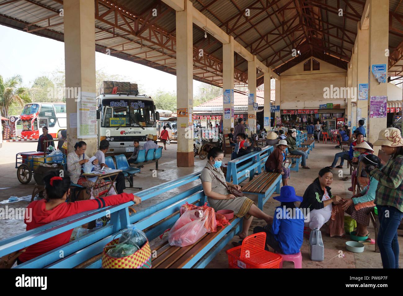 Busbahnhof, Pakxe, Pakse, Provinz Champasak, Sued-Laos, Laos, Asien - Stock Image