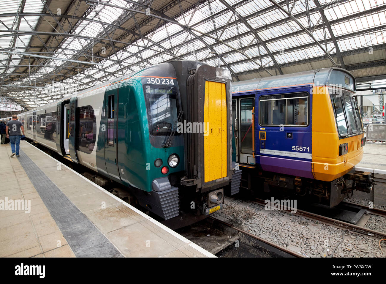 Northern Rail Stock Photos & Northern Rail Stock Images - Alamy