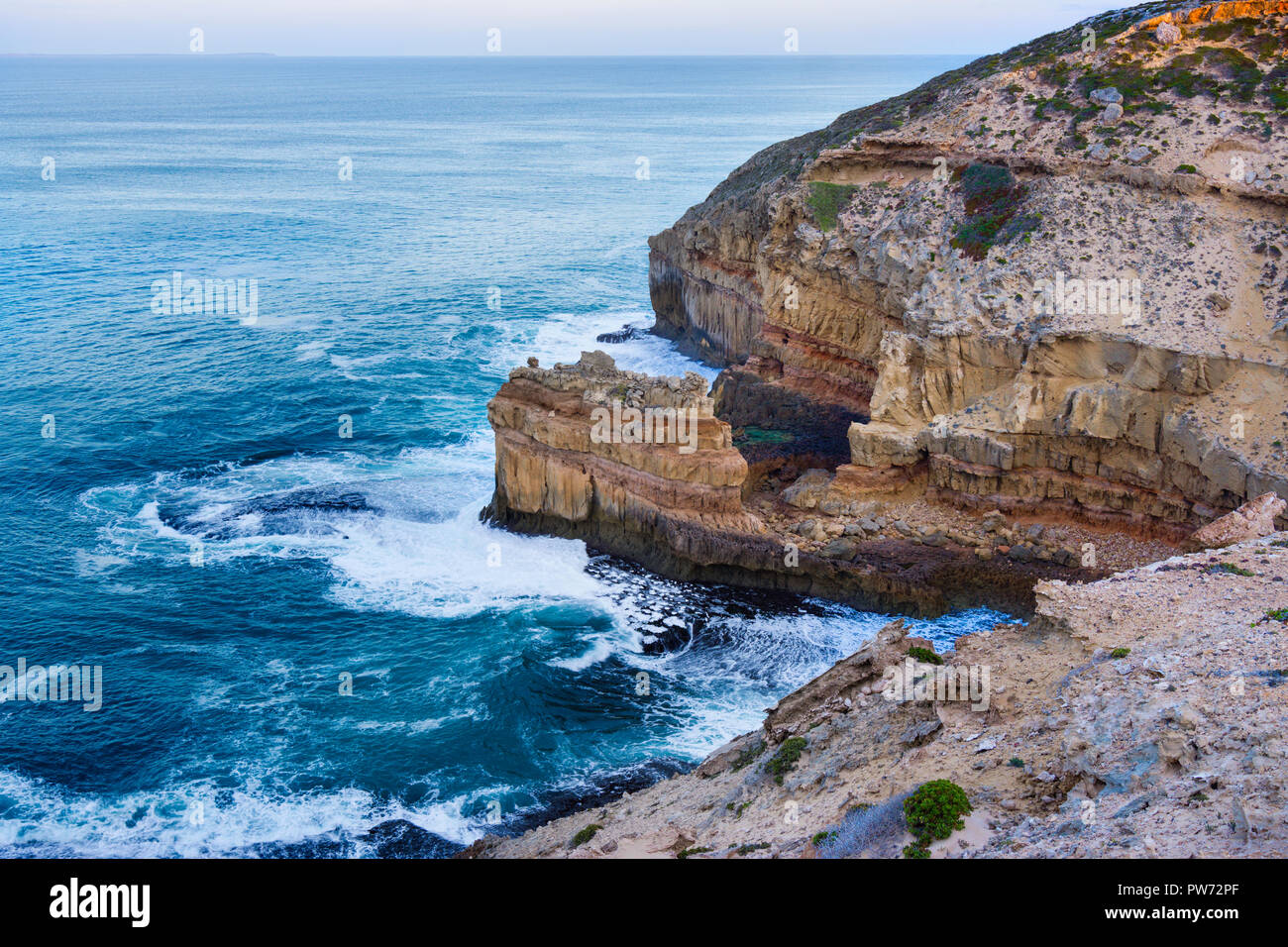 Views of the rugged coastal cliffs along the Anxious Bay Cliff Top Loop drive.  Elliston South Australia - Stock Image