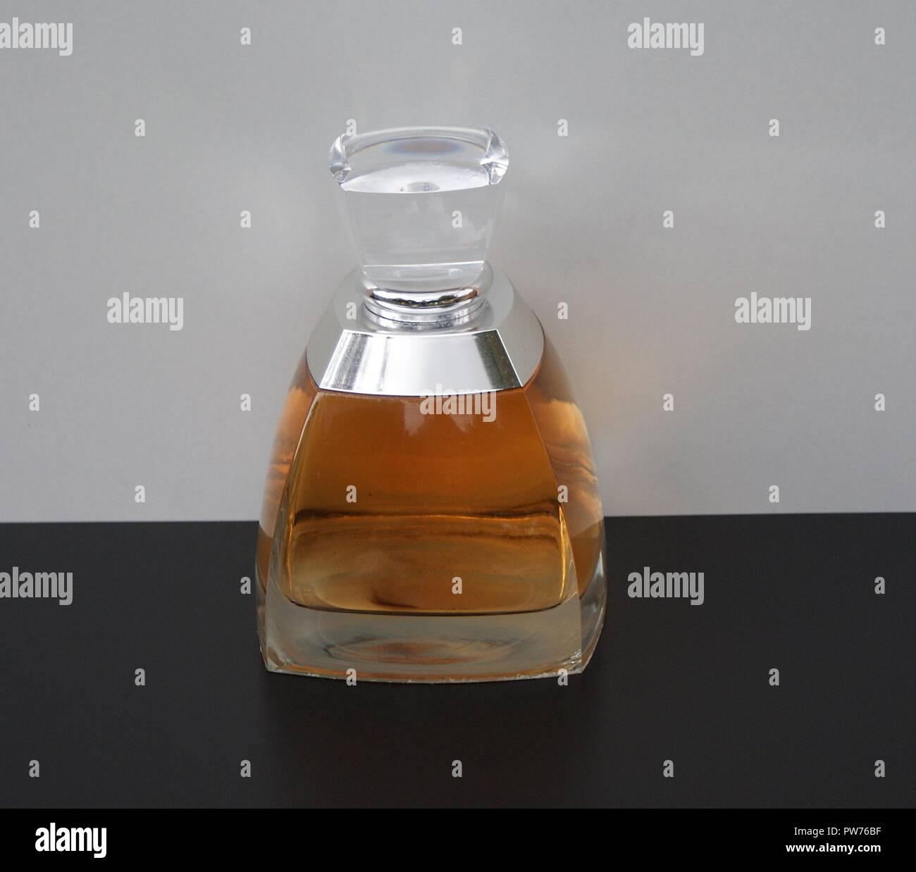 Vera Wang, fragrance for ladies, large perfume bottle - Stock Image
