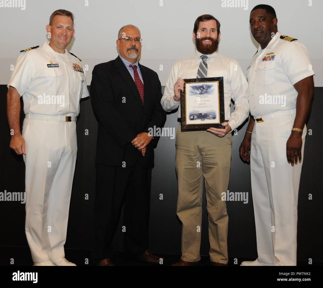 Naval Surface Warfare Center Dahlgren Stock Photos Andrew Smith Navy Formal Trousers 32 Stephen Dix Receives His Certificate Of Achievement From