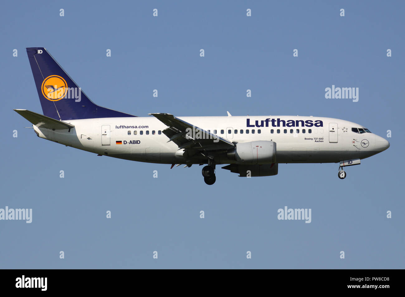 German Lufthansa Boeing 737-500 (old livery) with