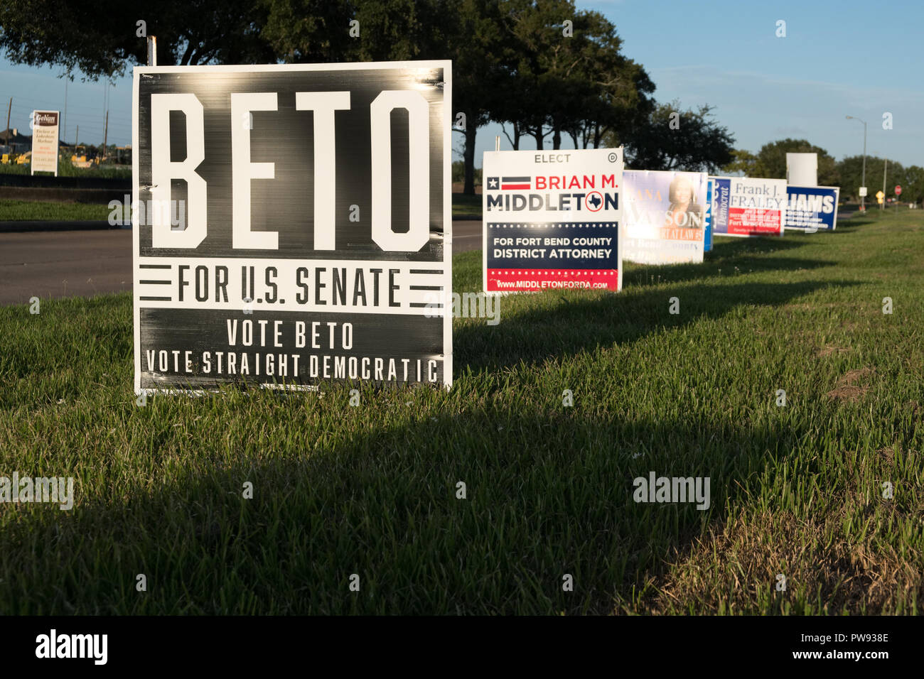 Missouri City, Texas - October 13, 2018:  Beto O'Rourke election signs are seen in many residential areas in Texas. Credit: michelmond/Alamy Live News - Stock Image