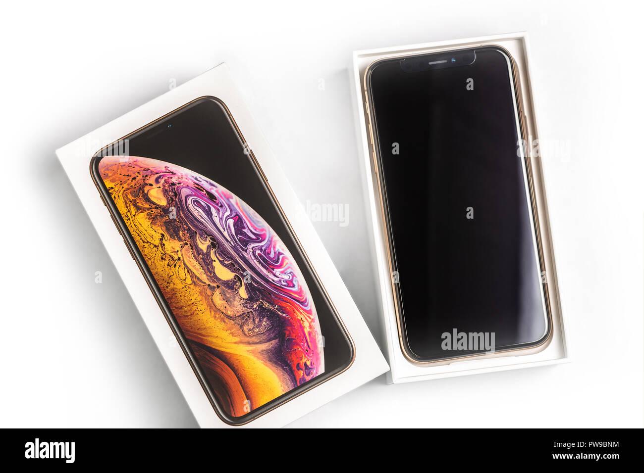 X Smartphone Stock Photos & X Smartphone Stock Images - Alamy