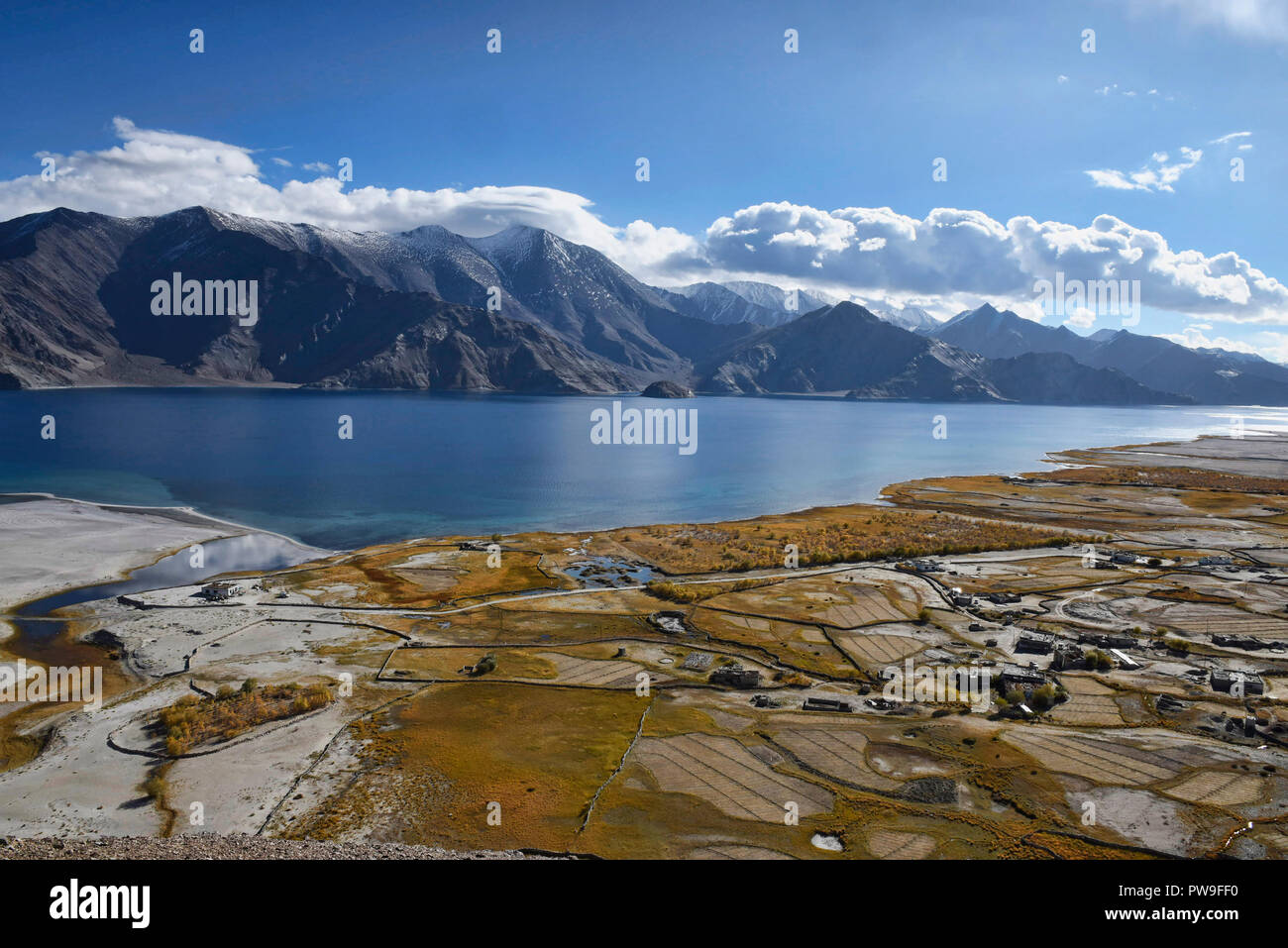 Meerak village and Pangong Lake in autumn color, Ladakh, India - Stock Image