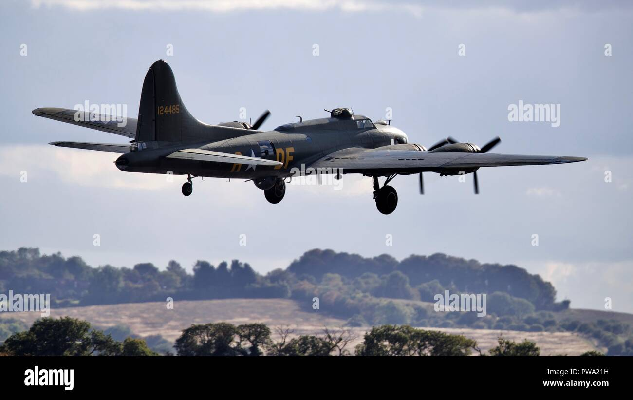Boeing B-17G Flying Fortress  (G-BEDF) Sally B - Stock Image