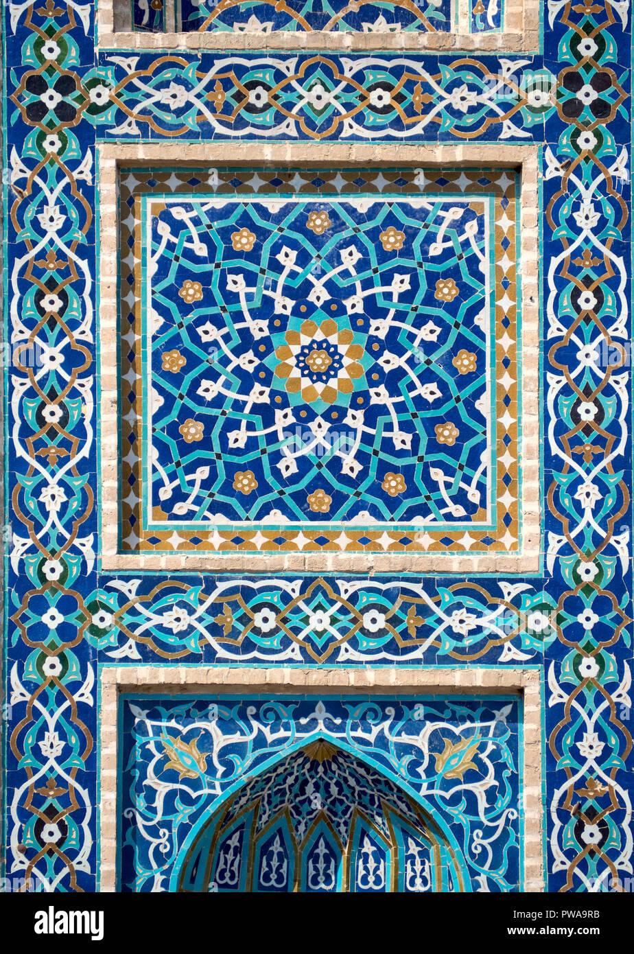 Detail of tilework in Jameh mosque, Yazd, Iran. - Stock Image