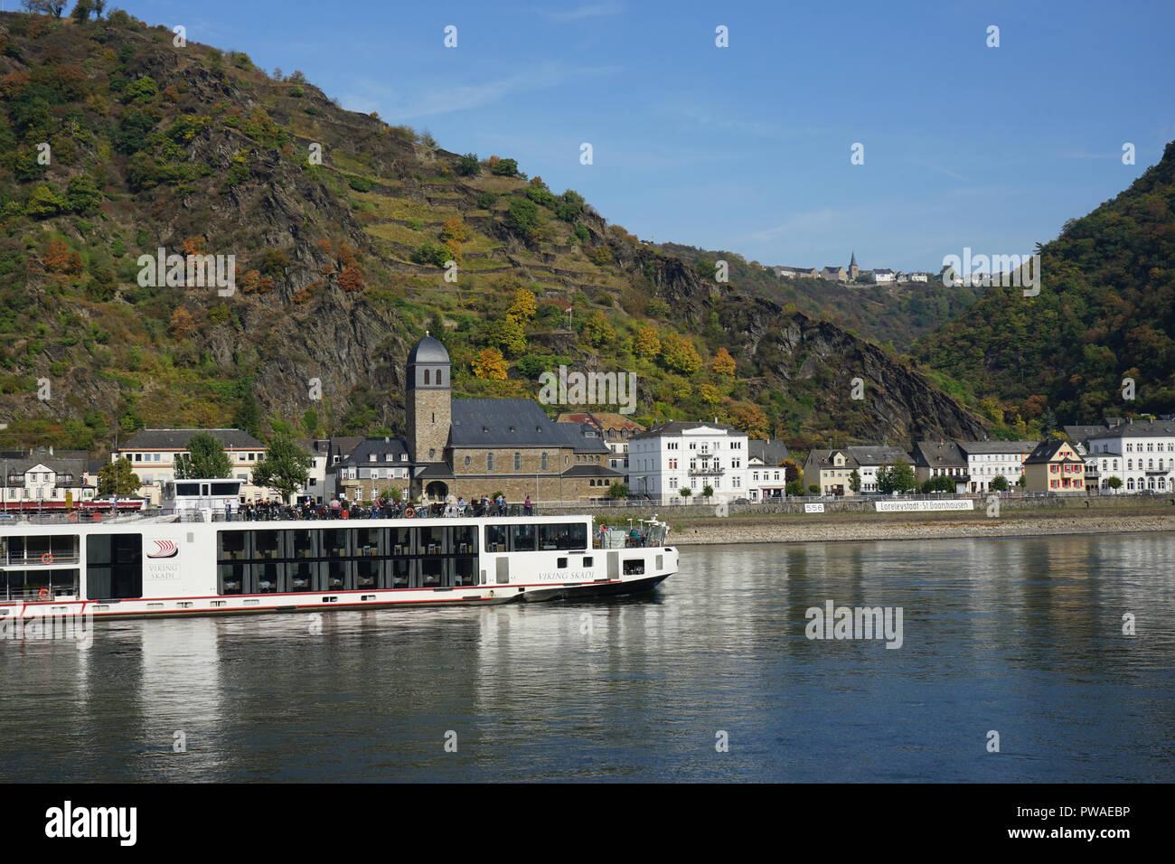Kaub, Kreuzfahrtschiff, Welterbe Kulturlandschaft Oberes Mittelrheintal, Rhein, Deutschland, Europa - Stock Image
