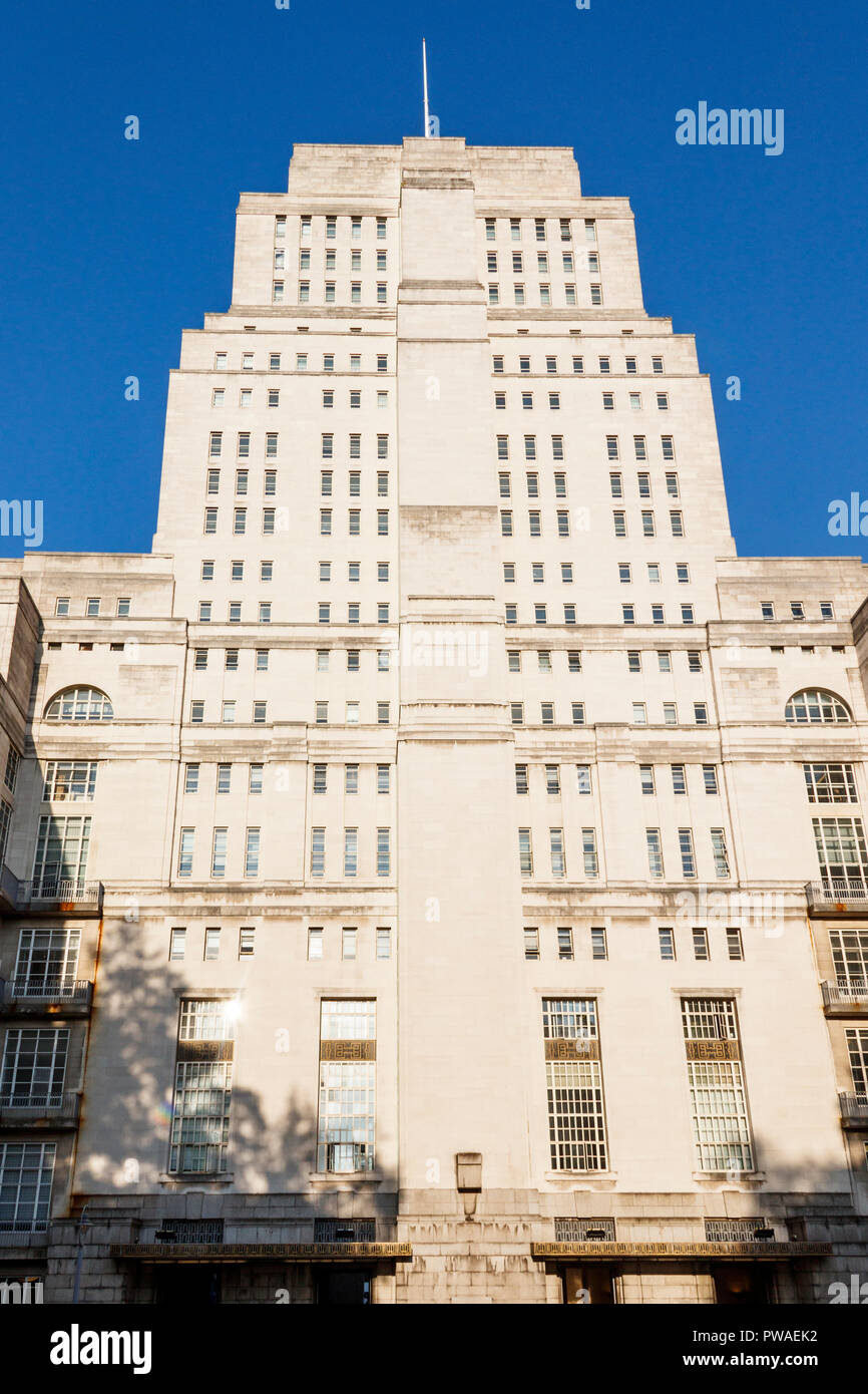 Senate House, University of London, Malet Street, London, UK - Stock Image