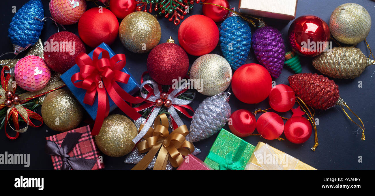 Christmas decorations, cute pattern Gifts on background to send the ...