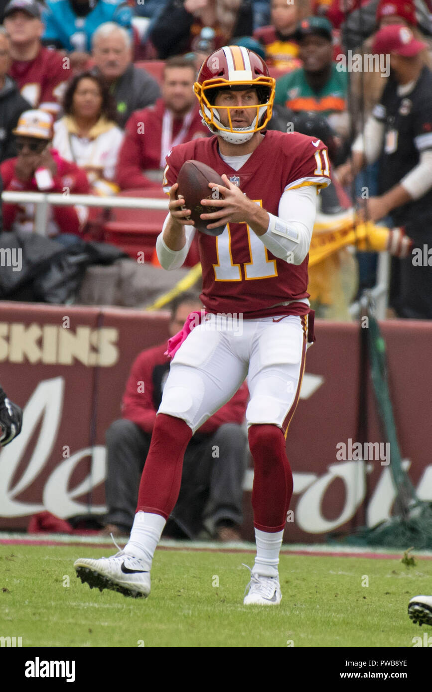 dbce4b920be Washington Redskins quarterback Alex Smith (11) looks for a receiver in the  first quarter
