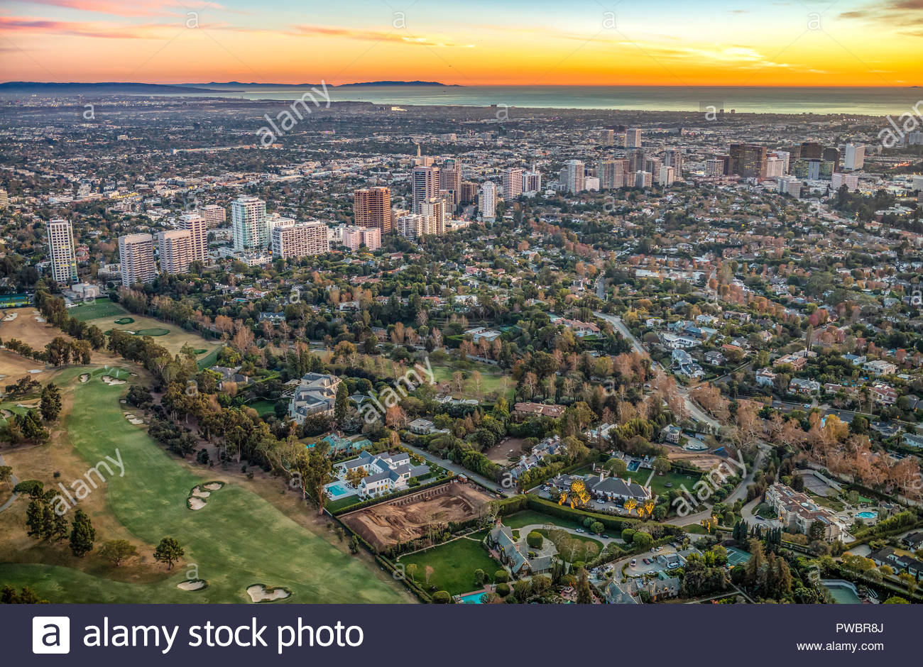 Aerial view of the city of Los Angeles featuring Wilshire Blvd. - Stock Image
