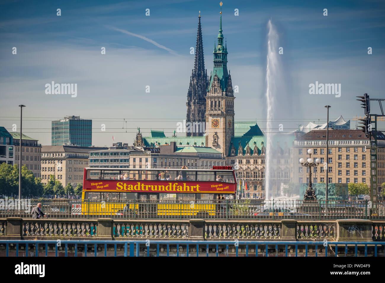 Deutschland, Hamburg, Alster, Rathaus, Nikolaikirche, Binnenalster - Stock Image