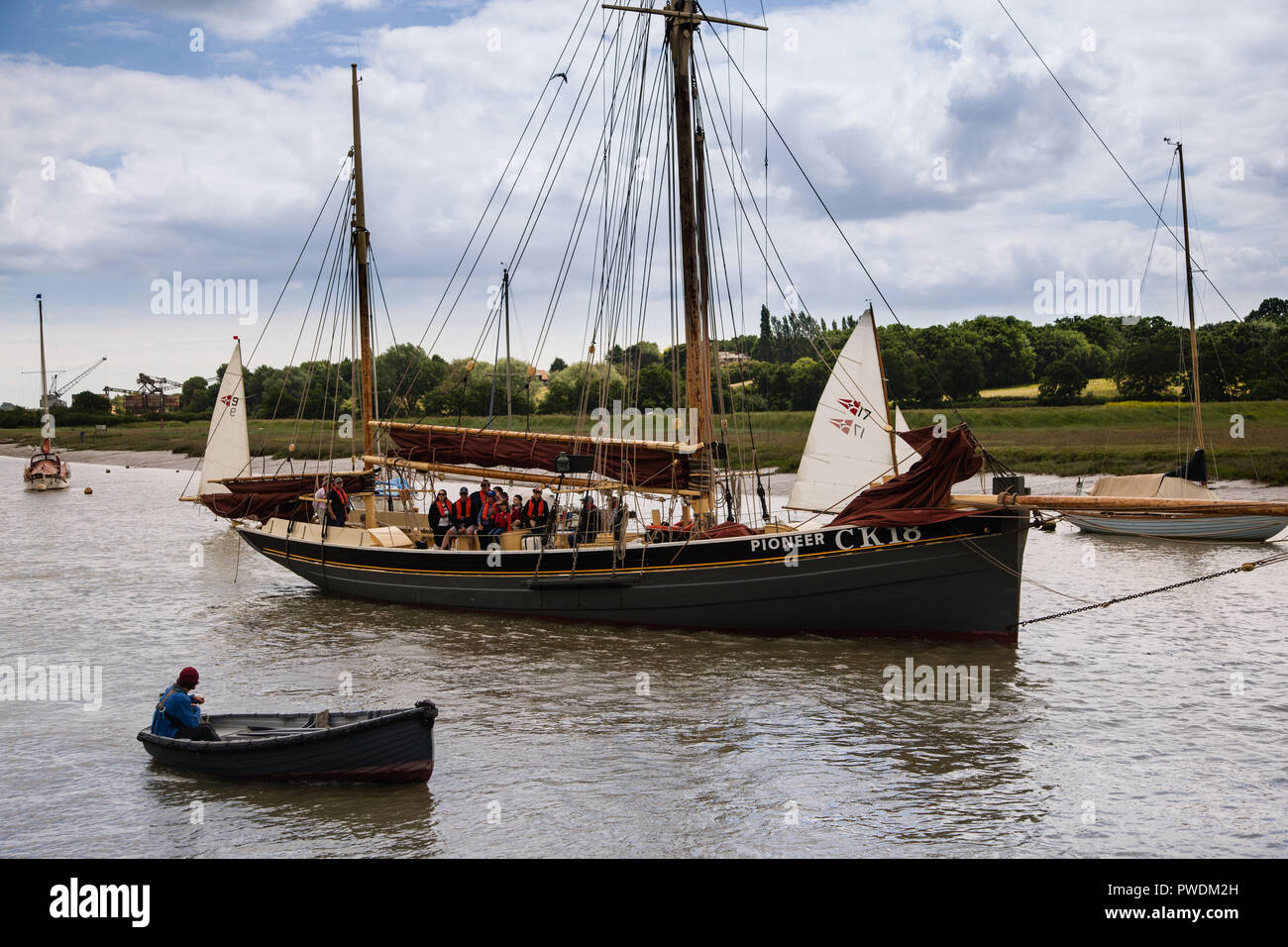 Essex barge and other boats on the river Colne at the Wivenhoe Regatta - Stock Image
