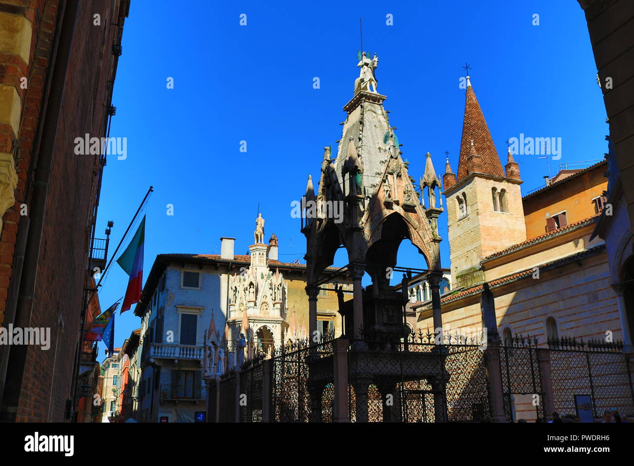 Arche scaligere-Elaborate raised tombs for the Scaligeri family, 14th-century rulers shown here on horseback in Verona,Italy - Stock Image