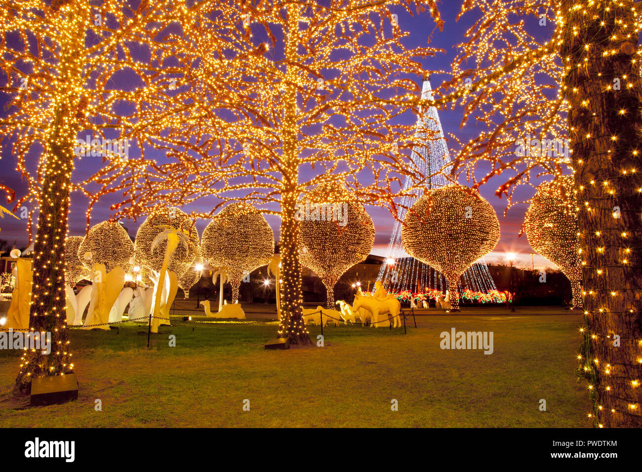 christmas decorations and lights at opryland hotel nashville tennessee usa stock image - Tennessee Christmas
