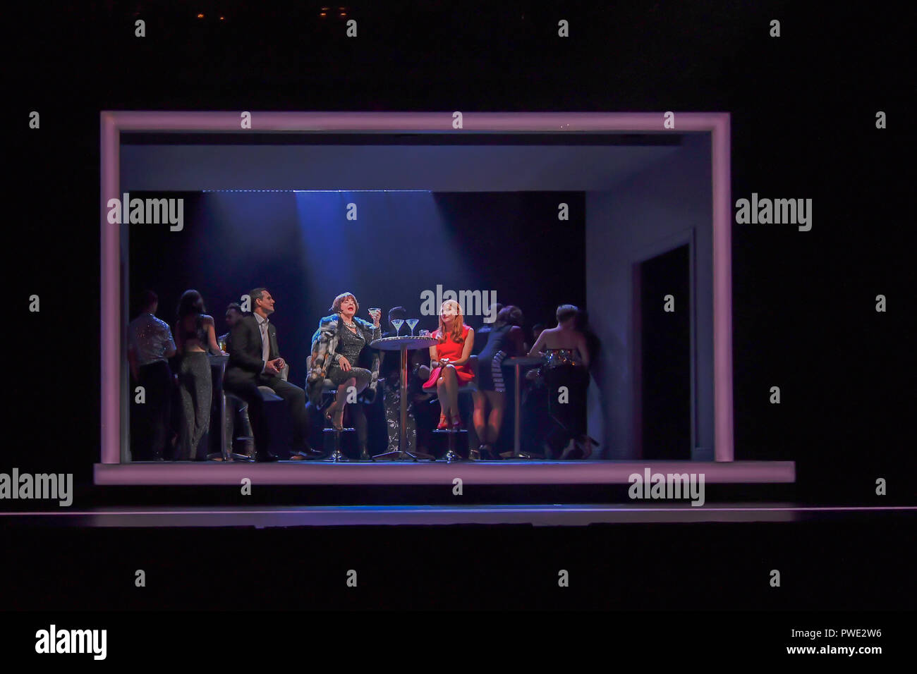London, UK. 15th Oct 2018. Photocall: Company at Gielgud Theatre, London, UK. 15 October 2018. Credit: Picture Capital/Alamy Live News - Stock Image