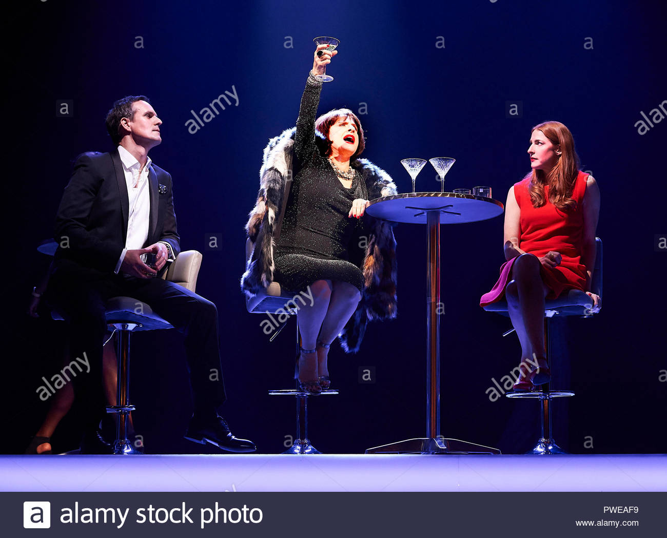 London, UK, 16th Oct 2018. Company, a Musical Comedy, Music and Lyrics by Stephen Sondheim, book by George Furth. Directed by Marianne Elliott. With Ben Lewis as Larry, Patti Lupone as Joanne, Rosalie Craig as Bobbie. Opens at The Gielgud Theatre on 17/10/18. CREDIT Geraint Lewis EDITORIAL USE ONLY Credit: Geraint Lewis/Alamy Live News - Stock Image