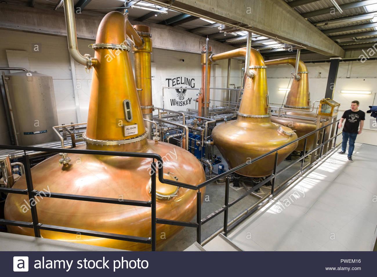 Hand crafted copper pot stills inside the Teeling Distillery, Newmarket, The Liberties, Dublin, Leinster, Ireland - Stock Image
